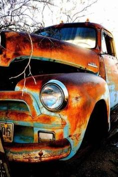 Ideas Vintage Cars Photography Abandoned Rust For 2019 Old Pickup Trucks, Chevy Trucks, Jeep Pickup, Pickup Camper, 4x4 Trucks, Lifted Trucks, Jeep Truck, Lifted Ford, Classic Trucks