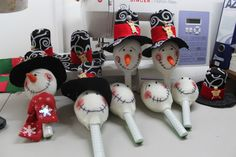 Maracas navideñas Easy Crafts For Kids, Easy Diy Crafts, Kid Crafts, Simple, Christmas, Decorations, Ideas, Christmas Decor, Craft