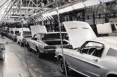 1968 Mustang and Cougar assembly I visited the Mustang plant and watch start to finish building Mustangs!