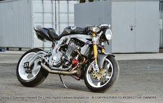 Guy Martin et son GSX-R Turbo chassent le chrono à Pikes Peak ! Street Fighter Motorcycle, Suzuki Motorcycle, Racing Motorcycles, Motorcycle Garage, Motorcycle Design, Guy Martin, Gsxr 1100, Custom Street Bikes, Custom Bikes