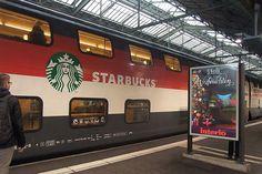 Wagon Starbucksa zostanie odstawiony na boczny tor. Całkiem możliwe, że jego miejsce zajmie bar Carlsberga.