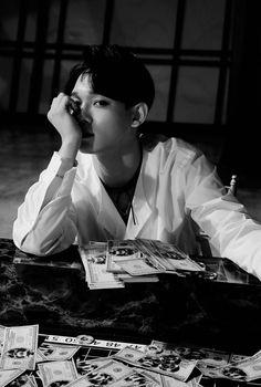 Chen - 160818 'Lotto' iTunes digital booklet Credit: via Bright Peach. Exo Chen, Sehun Oh, Chanyeol Baekhyun, Kpop Exo, K Pop, Shinee, Fanfic Exo, Exo Fanart, Exo Monster