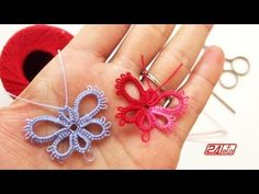 Tatting Needle – Lesson How To Make A Butterfly – Tutorial Tatting Make a Butterfly We believe that tattooing … Tatting Earrings, Tatting Jewelry, Tatting Lace, Crochet Earrings, Needle Tatting Tutorial, Needle Tatting Patterns, Crochet Patterns, Filet Crochet, Irish Crochet