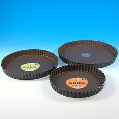 FLUTED TART PANS WITH REMOVABLE BOTTOMS