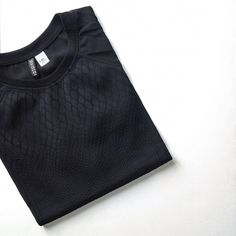 Via Chloe Hollywood | Black | H&M Textured T-Shirt