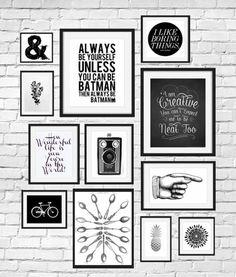 deco mur, cadre rectangulaire, photo blanc et noir, dessin vélo, citation inspirante, murs en briques