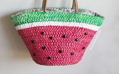 Арбузно-соломеная сумка на пляж (Diy) Beach Bag Tutorials, Fundraising Crafts, Crochet Mittens Free Pattern, Diy Straw, Drawing Bag, Painted Bags, Summer Handbags, Handmade Beaded Jewelry, Jute Bags