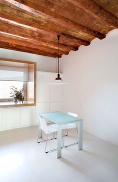 Originally, the house already had ground floor, floor and cellar, all adapted . Agi Architects, Ground Floor, Sweet Home, Dining Table, Loft, Flooring, Rustic, Architecture, Bed