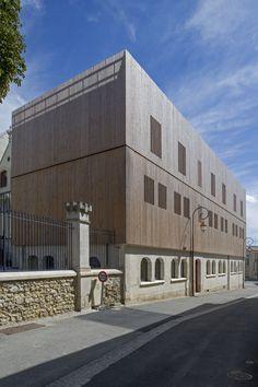 Conservatoire de musique et de danse à Thouars (79)  Architecte : Agence Arc & Sites