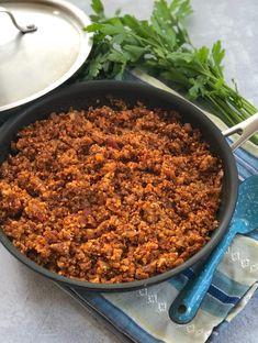 Easy Vegan Beef-less ground — 4 easy recipes Korean Beef Recipes, Pear Recipes, Whole Food Recipes, Vegetarian Recipes, Vegan Crumble, Vegan Ground Beef, Vegan Beef, Beef Seasoning Recipe