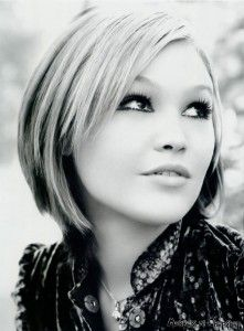 Love Short hairstyles for thick hair? wanna give your hair a new look ? Short hairstyles for thick hair is a good choice for you. Here you will find some super sexy Short hairstyles for thick hair, Find the best one for you, Short Hairstyles For Thick Hair, Layered Bob Hairstyles, Haircut For Thick Hair, Pretty Hairstyles, Short Hair Cuts, Short Hair Styles, Bob Haircuts, Pixie Cuts, Medium Hairstyles