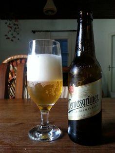Como cervejeiro alemão não é besta, esta cabe no estilo pils como indicado no rótulo. Cor, espuma, corpo, lúpulo. O malte é mais doce e no conjunto é bem mais fraquinha que a Koenig, outra pils alemã, porém de melhor qualidade.