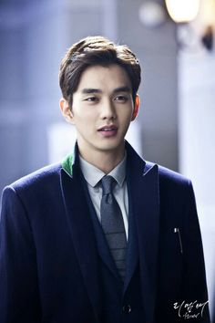Yoo Seung Ho; gawd his eyes changed so much! he still has those eyebrows tho