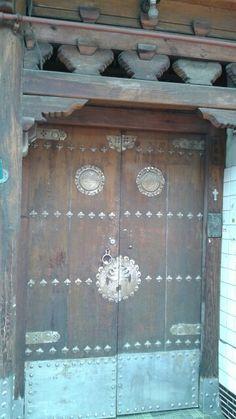 Entry doors South Korea Beauty, Entry Doors, Entry Gates, Entrance Doors