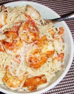 Delicious and easy dinner recipe - Shrimp Pasta with White Wine Cream Sauce- definitely trying this recipe out tomorrow night