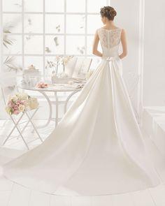 MEMORY traje de novia  en raso, guipour y pedreria.