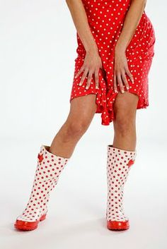 oh my gosh! polka dot wellies!