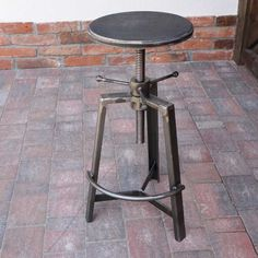 Welding Art, Bar Stools, Shop Stools, Metal Furniture, Easel, Blacksmithing, Metal Art, Projects To Try, Interior Design