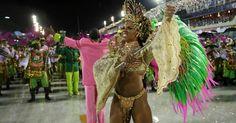 Veja e escolha as musas que passaram pela Sapucaí na 1ª noite de desfiles no RJ - Fotos - UOL Carnaval 2015