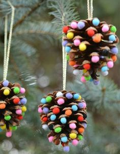 32 DIY Christmas Ornaments That Are Worlds More Special Than Store-Bought - First for Women While you're whipping up some DIY Christmas decorations, don't forget the tree! These holiday crafts will take your spruce from stale to stunning. Kids Crafts, Christmas Crafts For Kids, Christmas Activities, Diy Christmas Ornaments, Christmas Projects, Simple Christmas, Kids Christmas, Holiday Crafts, Christmas Gifts