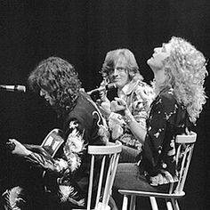 Looks like Jonesy fell in love with Robert at this moment based on his facial expressions #jimmypage #johnpauljones #robertplant #ledzeppelin #70s #1970s #seventies #guitar #guitarist #zeppelin #singer #bassist #bass #inlove #bromance #god #golden