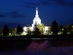 Click to enlarge this image of the Idaho Falls Idaho Mormon Temple