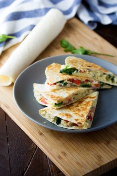 Spinach, Feta & Red Pepper Breakfast Quesadillas (Make Ahead, Freezer Freindly) @sweetpeasaffron