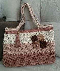 Bobble Stitch Handbag Crochet Pattern with Video Tutorial No pattern, but a lovely idea Free Crochet Bag, Mode Crochet, Crochet Market Bag, Crochet Tote, Crochet Handbags, Crochet Purses, Knit Crochet, Crotchet Bags, Knitted Bags