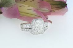 Beautiful brilliant cut diamond ring and band set in 18K white gold.