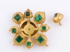 Tesoro del siglo XVIII hallado en la costa de Yucatán: Oro y esmeraldas