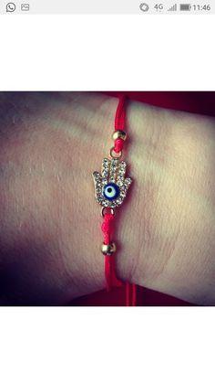 Bracelet main fil rouge