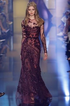 Sixpenceee Fashion: Photo - Elie Saab, Paris, Inverno Six Pence - Stunning Dresses, Beautiful Gowns, Pretty Dresses, Beautiful Outfits, Couture Fashion, Runway Fashion, Party Fashion, Fashion Photo, Style Fashion