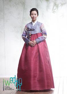 [아이웨딩] 한복 - 우리옷미. 전통과 세련을 겸비. 우리옷미만의 단아한 디자인으로 전통적인 아름다움과 멋진 예식을 완성