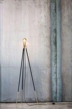 CLIFF-TRIPOD FLOOR LAMP by Lambert & Fils