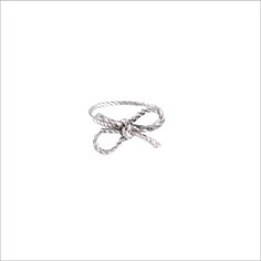 Kiel Mead - Forget Me Knot Ring. So much cheaper than Tiffany's bow ring! Cute Jewelry, Jewelry Box, Jewelry Watches, Jewelry Accessories, Silver Bow, Silver Rings, Silver Jewelry, Cute Rings, Kiss Makeup