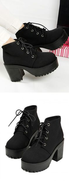 Black Round Toe Lace Up Platform Ankle Boots at Choies.com