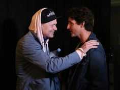 Tragically Hip's Gord Downie calls out to Trudeau during tour finale: PM discusses why the band is uniquely Canadian (CBC News 21 August Canadian Law, Canadian Things, Justin Trudeau, Favorite Son, My Favorite Music, Old Singers, Your Music, Cool Bands, New Day