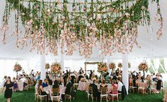 Hanging Florals: Allan Zepeda Photography / TheKnot.com