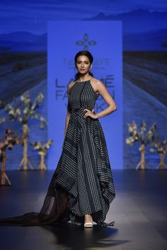 Indian Gowns Dresses, Indian Fashion Dresses, Indian Designer Outfits, Indian Outfits, Fashion Outfits, Lakme Fashion Week, India Fashion, High Fashion, Stylish Dresses