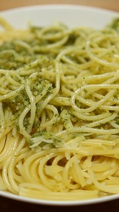 Spaghetti Con Pesto - New Ideas Casserole Recipes, Pasta Recipes, Beef Recipes, Cooking Recipes, Spagetti Recipe, Tasty Videos, Le Diner, Homemade Pasta, Pasta Dishes