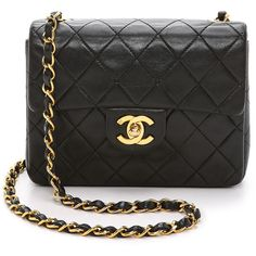 What Goes Around Comes Around Chanel Mini Flap Bag (Previously Owned) (£2,300) ❤ liked on Polyvore featuring bags, handbags, shoulder bags, black, mini handbags, chain shoulder bag, leather handbags, genuine leather purse e black leather handbags