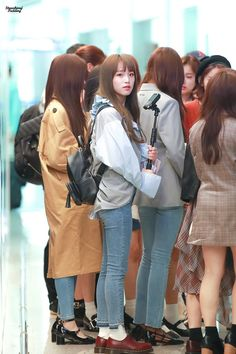 Baby Ducks, Group Pictures, Nanami, Airport Style, Asian Fashion, Yuri, Girl Group, Cute Girls, Rapper