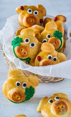 Lucky Pig - The Kitchen Whisper - funny food – creative food prepared for young and old funny food – creative food prepared for y - Pig Cookies, Party Buffet, Snacks Für Party, Food Humor, Cooking With Kids, Creative Food, Food Design, Italian Recipes, Danish Recipes