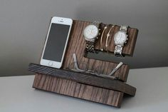 This caddy has a watch holder that can keep 2-4 watches on display. This valet…
