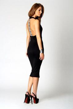 Robe chic et élégante, de style, reste tailles 36/40/42  Prix : 69€ Frais inclus  info@studiosandradesign.com pour toute commande  pour visiter la boutique cliquez like sur la page 1 :) çà serait bien !  http://www.studiosandradesign.com/fashion-online-shop/fr/