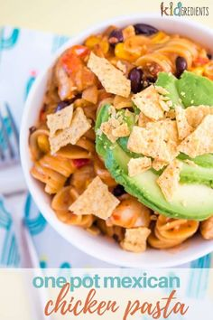 This one pot mexican chicken pasta is delicious and super quick to make on weeknights! Kid friendly and extra yummy. #kidgredients #onepot #dinner #mexicanchicken #pasta #kidsmeals #veggies