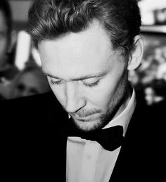 Death by eyelashes. And cheekbones. And perfectly curled hair. I am dying a slow death because Tom Hiddleston is killing me in a million ways and my heart can't take it - and I'm not complaining. It's a wonderful way to go! ;)