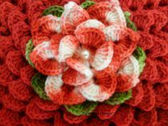 Fiz este pap para ajudar as muitas  amigas que me pediram como fazer essa flor. Ela é umas das lindas  criações do artesão Marcelo Nunes e e...