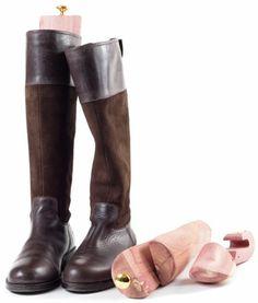 Stiefelspanner und Schaftformer in die Stiefel