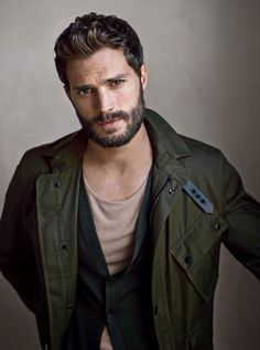 Jamie dornan, Fifty Shades Of Grey Medium Beard Styles, Best Beard Styles, Christian Grey, Dulcie Dornan, Beard Humor, Hommes Sexy, Moustaches, Dakota Johnson, Fifty Shades Of Grey